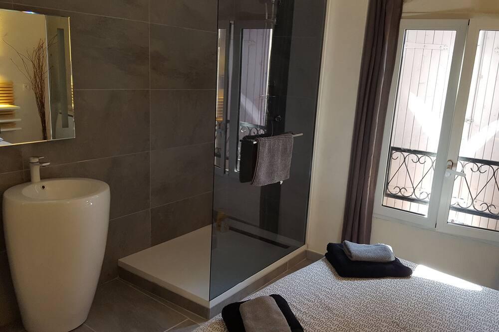 Classic Double Room (2) - Bathroom