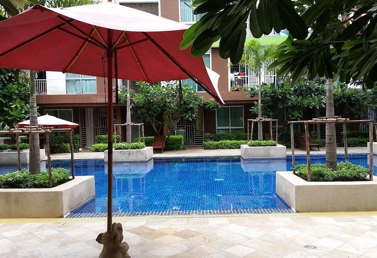 Apartment at Bangkok Near Pool, Bangkok