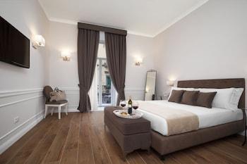 那不勒斯拉豐塔尼納套房酒店的圖片
