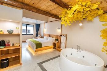 Jiaxing — zdjęcie hotelu Wuzhen Ziye Musu Inn