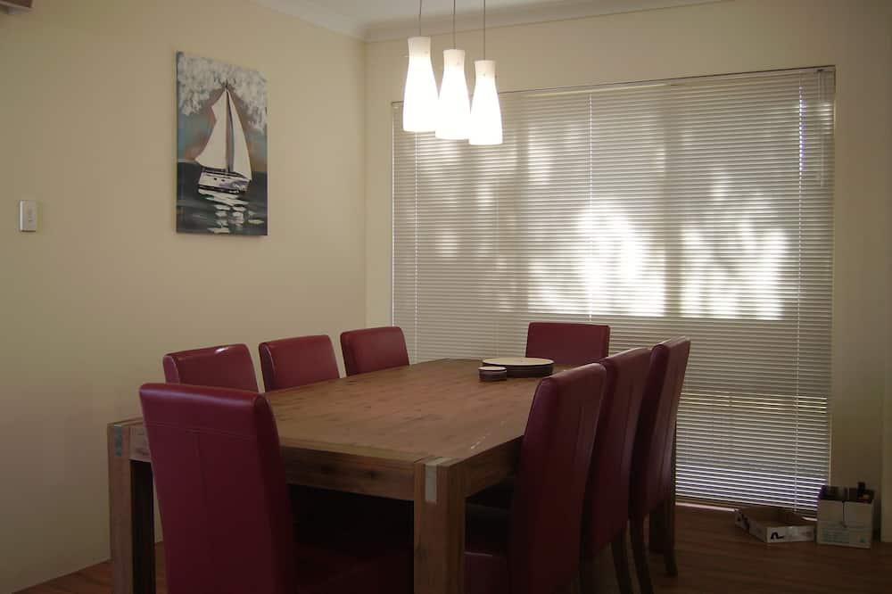 Comfort-hus - 4 soveværelser - Spisning på værelset