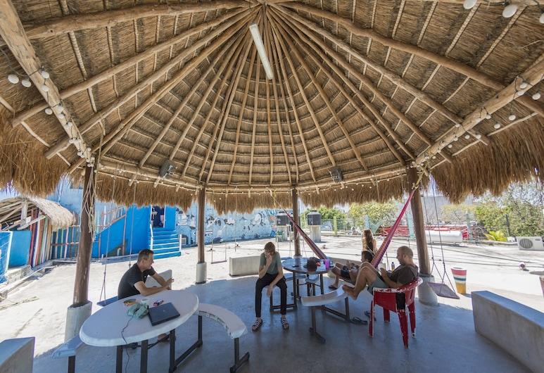 Hostel Playa by The Spot, Playa del Carmen, Terrass