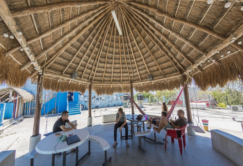 Hostel Playa by The Spot, Playa del Carmen, Terraza o patio