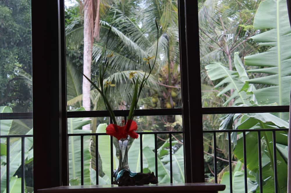 Romantic Room, 1 Bedroom, Private Bathroom, Park View - Garden View