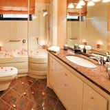 Zimmer, eigenes Bad - Badezimmer
