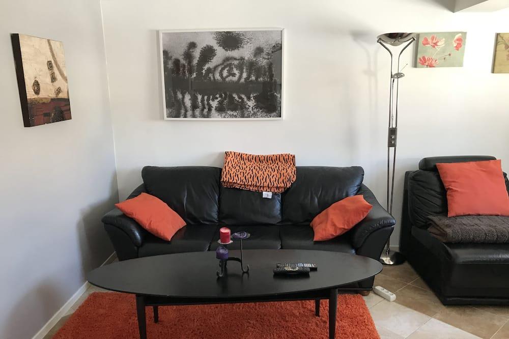 Departamento Confort, 1 habitación, cocina básica, en edificio anexo - Sala de estar