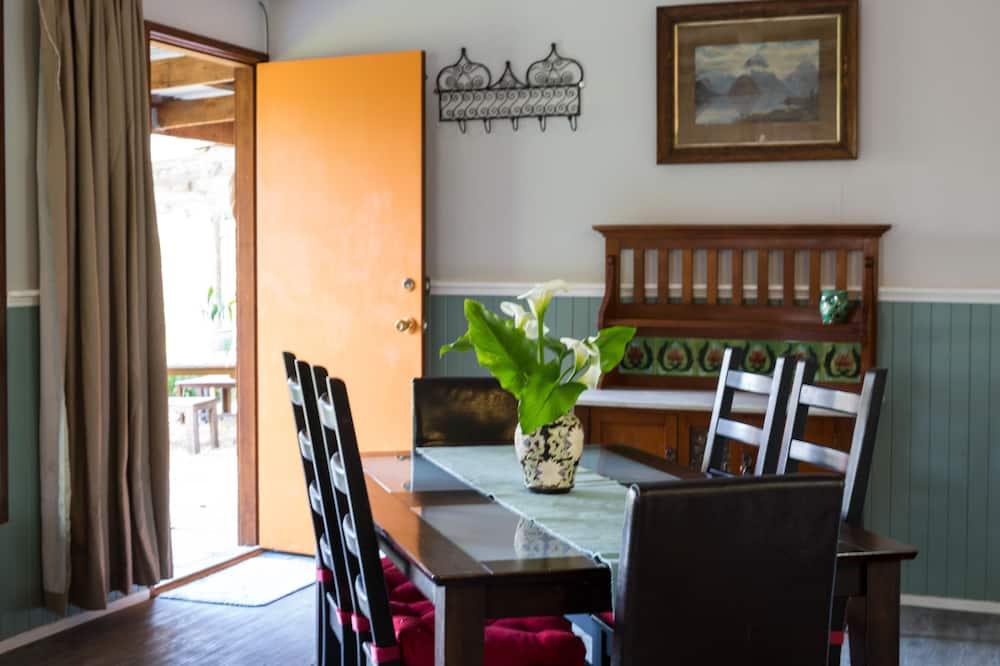 Casa familiar, 4 habitaciones, vista a la colina - Servicio de comidas en la habitación