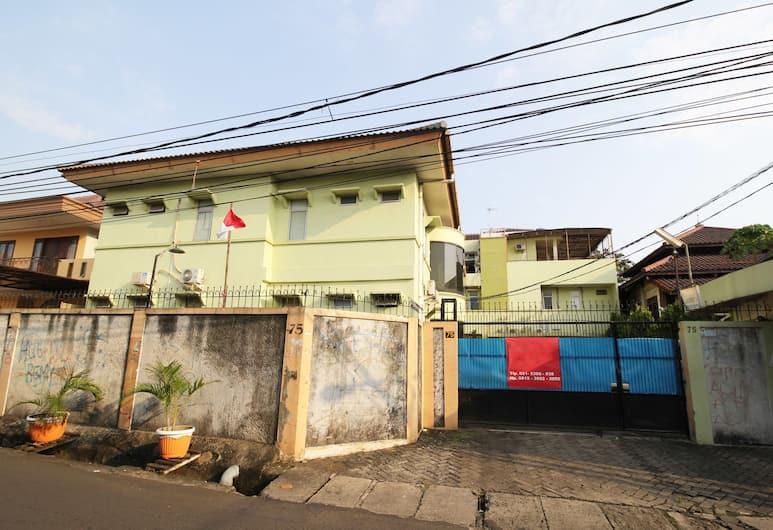 Airy Eco Binus Kijang KH Mud'ham 75 Palmerah Jakarta, Jakarta, Hotel Front