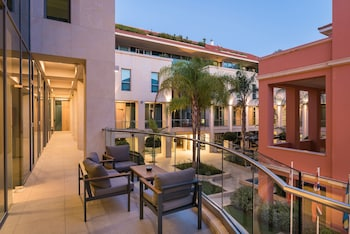 Enter your dates to get the best Chania hotel deal