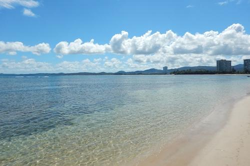製造海灘假日飯店/