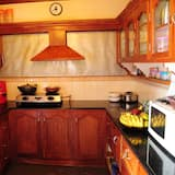 Royal Double Room, Multiple Beds, Smoking, Bathtub - Shared kitchen