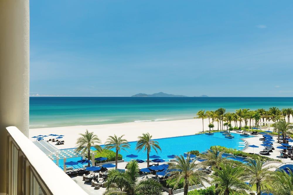 Deluxe Room, 2 Queen Beds, Pool View, Poolside - Beach/Ocean View