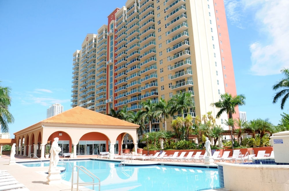Global Luxury Suites In Sunny Isles Beach