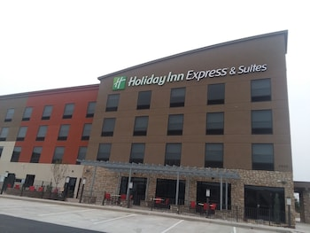 Picture of Holiday Inn Express & Suites Colorado Springs AFA Northgate in Colorado Springs