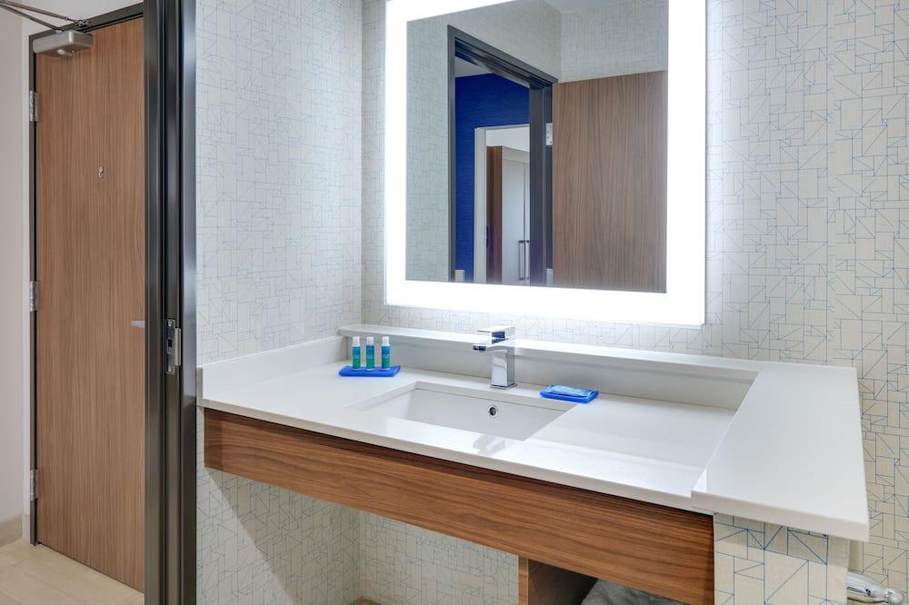 Suite, 2Queen-Betten, barrierefrei, Badewanne (Mobility) - Badezimmer