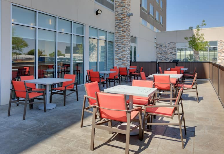 Holiday Inn Express & Suites Dallas NW HWY - Love Field, Dallas, Dinerruimte buiten