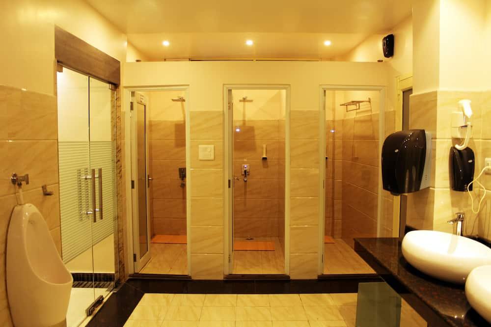 Gemeinsamer Schlafsaal, Gemischter Schlafsaal - Badezimmer