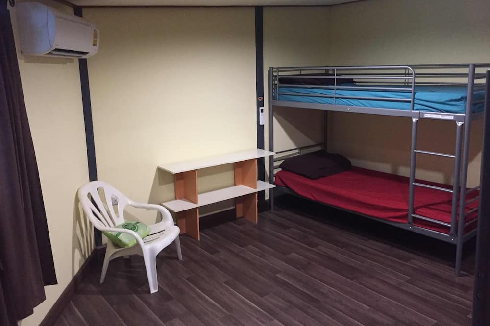 4-Bed Mixed Dormitory - Wohnzimmer