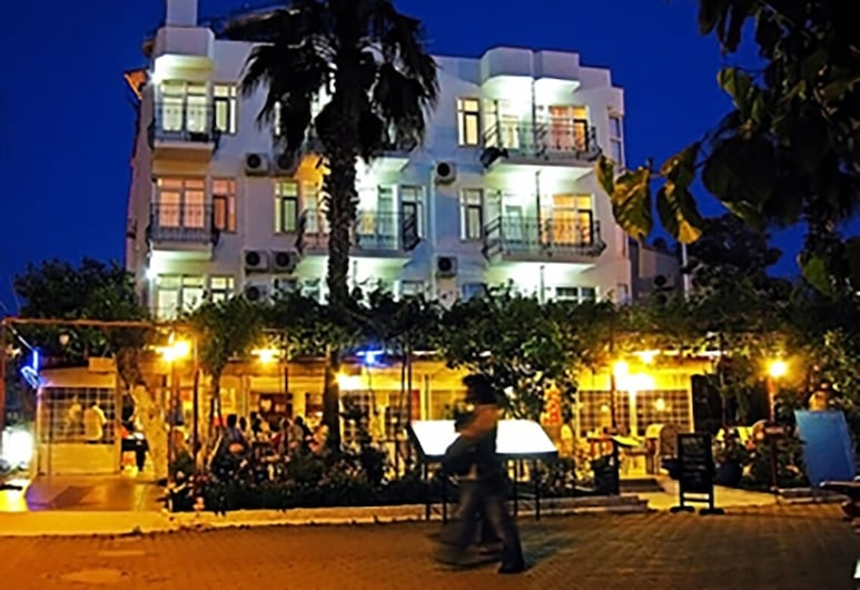 Hotel Seril 1, Fethiye, Hotel Front – Evening/Night