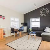 Family Double Room Single Use, 2 Queen Beds - Living Room