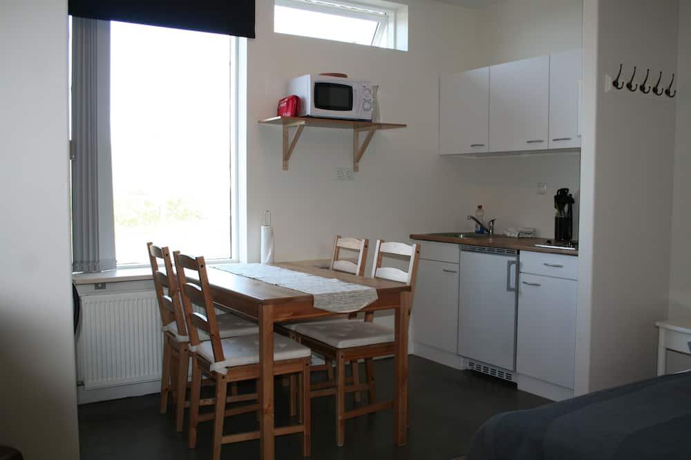 Klassiek appartement, 1 slaapkamer, uitzicht op bergen - Eetruimte in kamer