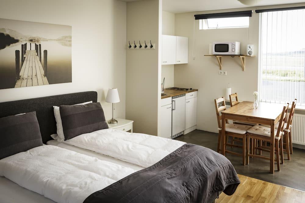 Klassiek appartement, 1 slaapkamer, uitzicht op bergen - Woonruimte