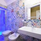 Basic Double Room, City View - Bathroom