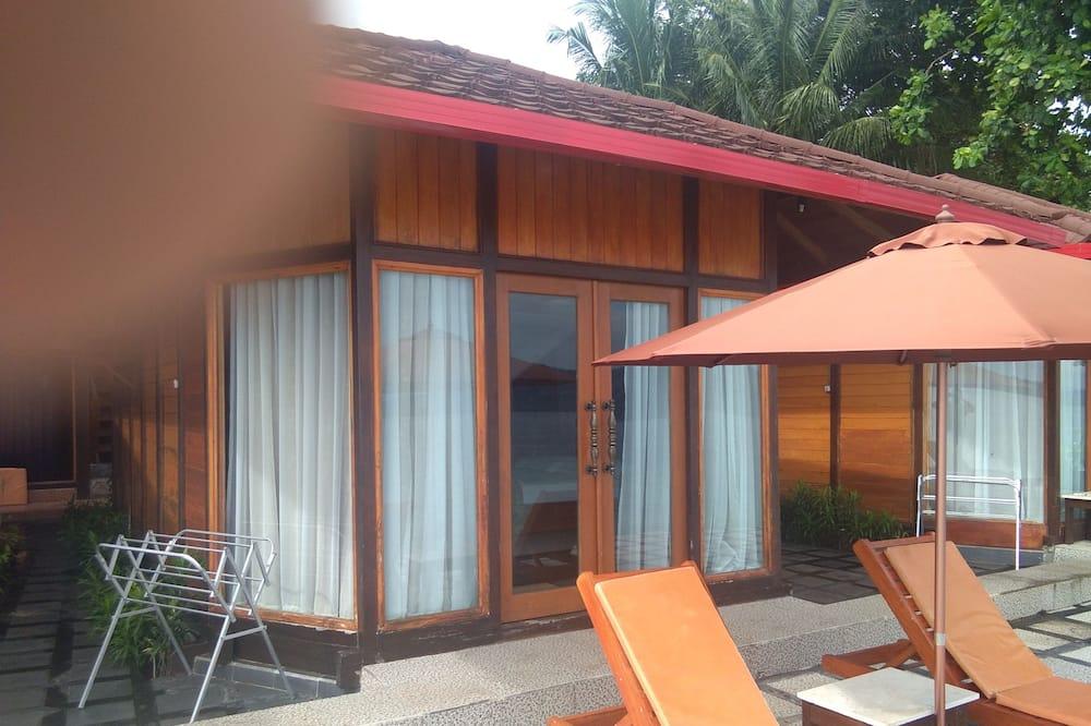 Basic Oda, 1 En Büyük (King) Boy Yatak, Plaj Manzaralı, Denize sıfır - Balkon