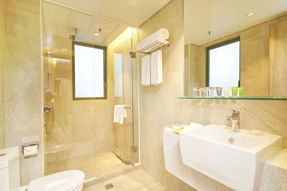 Premier Ease Side Harbour View Room - Bathroom