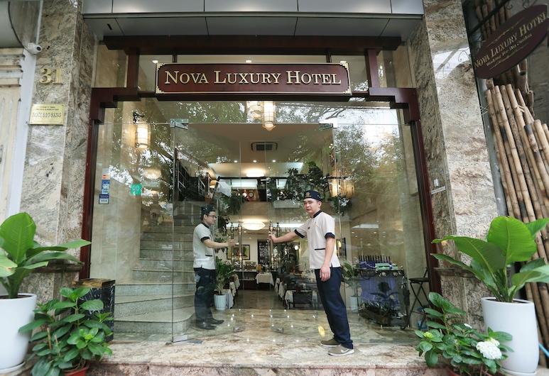 Nova Luxury Hotel, Hanoi, Hotel Entrance
