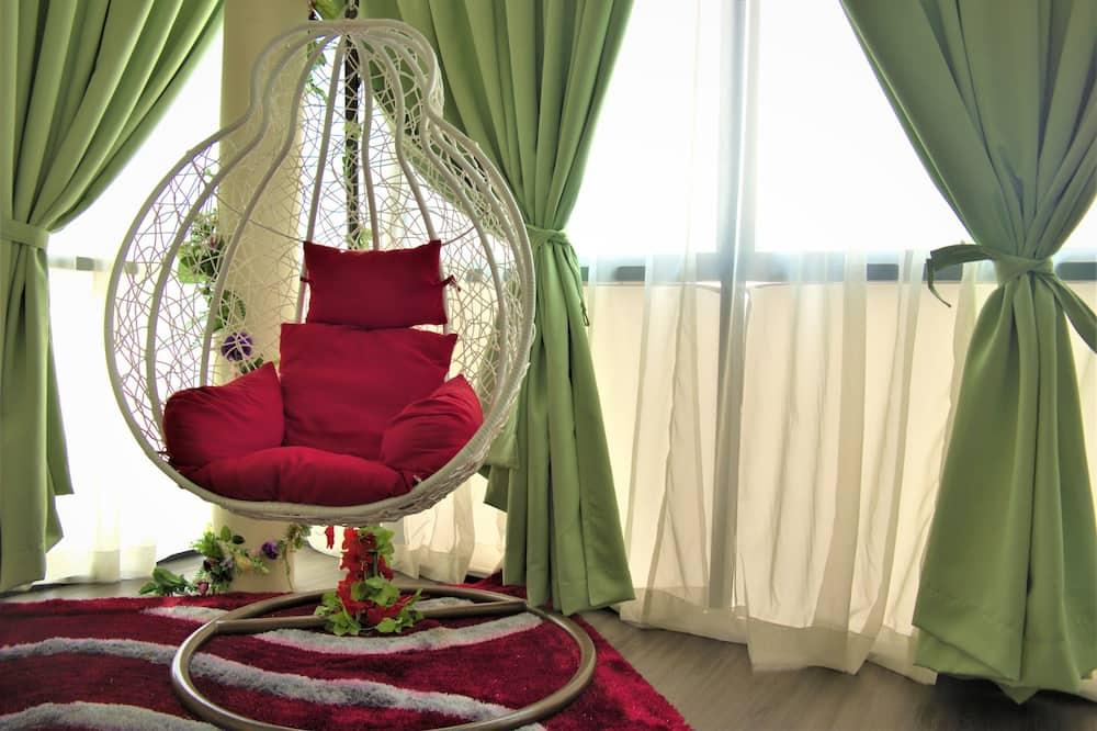 Honeymoon Suite - Living Area