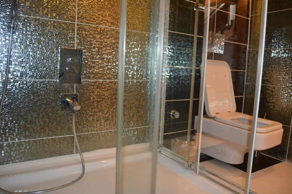 Standard Double Room - Bilik mandi
