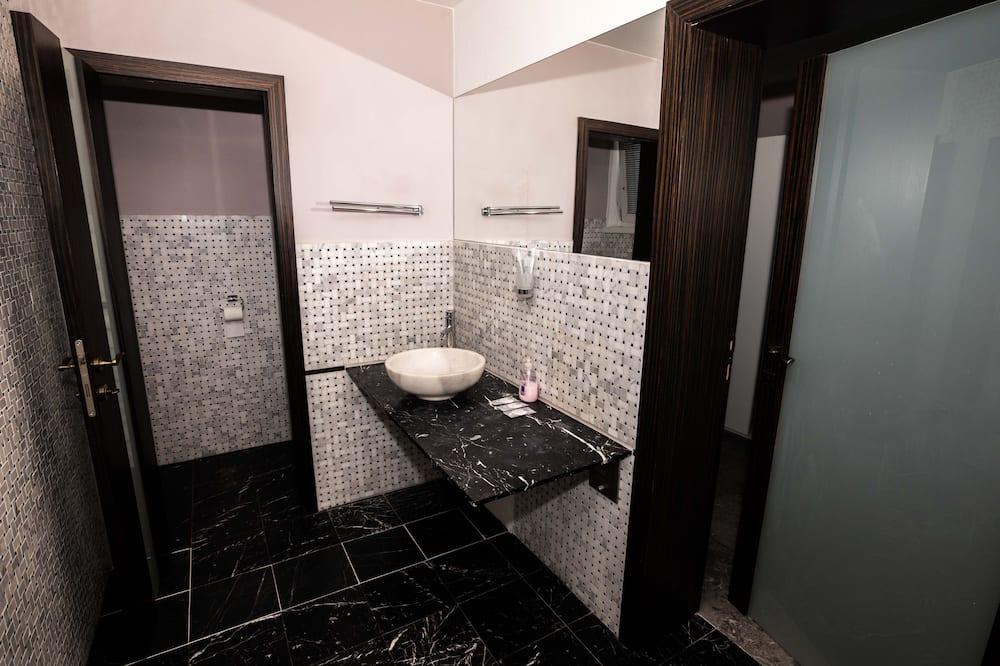 City Suite, 1 Bedroom, City View - Bathroom