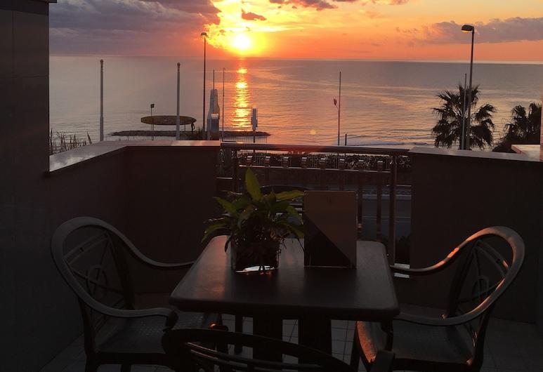 Serpa Hotel Anzio, Anzio, Standard Double Room, Balcony, Sea View, Terrace/Patio