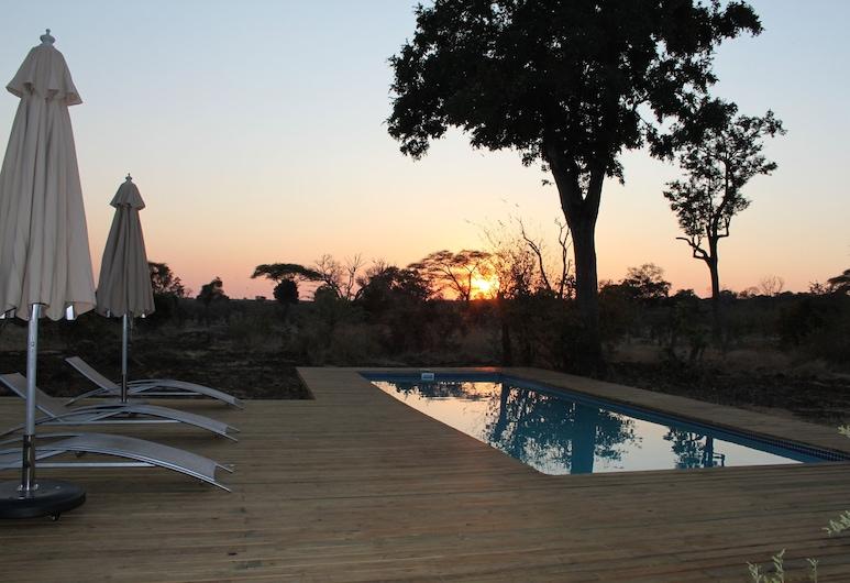 Tlouwana Camp, Kasane, Pool