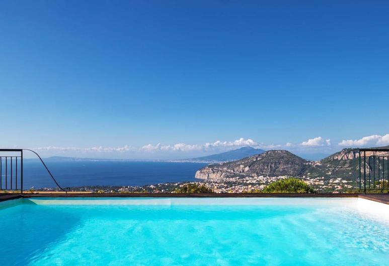 Villa Nana 3 Bedrooms Villa With Pool and Stunning sea Views, Sant'Agnello