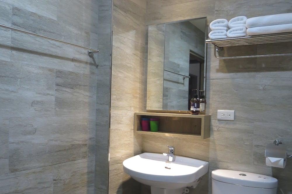 Стандартный двухместный номер с 1 двуспальной кроватью, 1 двуспальная кровать - Ванная комната