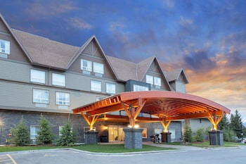 Picture of Super 8 by Wyndham Canmore in Canmore