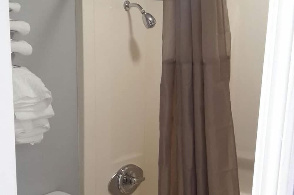 Standard Δωμάτιο, 1 King Κρεβάτι, Καπνιστών - Ντουζιέρα μπάνιου