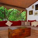 Tent, 2 slaapkamers (Compound) - Woonruimte