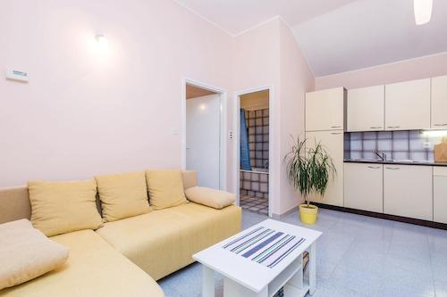 Matuljiの1室の宿泊施設/