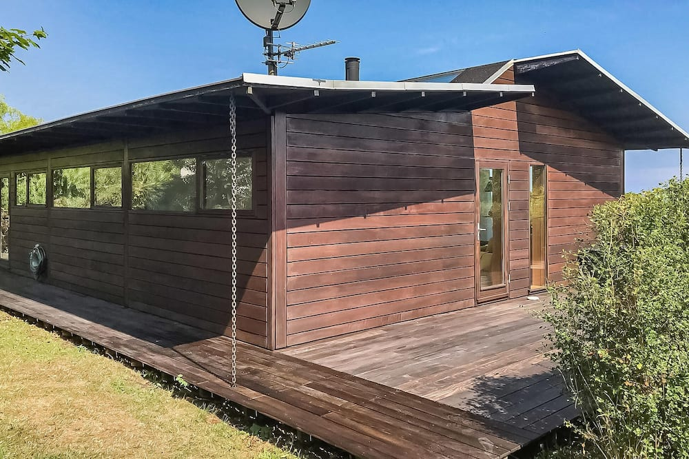 4 bedroom accommodation in Allinge