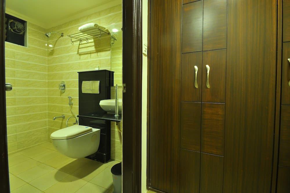 Номер із покращеним обслуговуванням, 1 спальня, для курців, з видом на долину - Ванна кімната