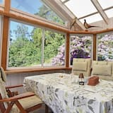 2 Bedroom Accommodation in Ljungskile
