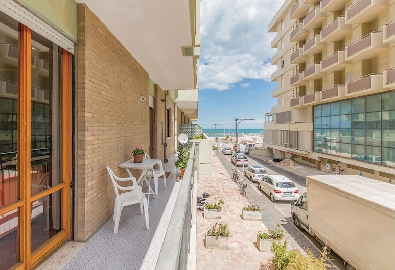 2 Bedroom Accommodation in Cattolica, Cattolica, ระเบียง