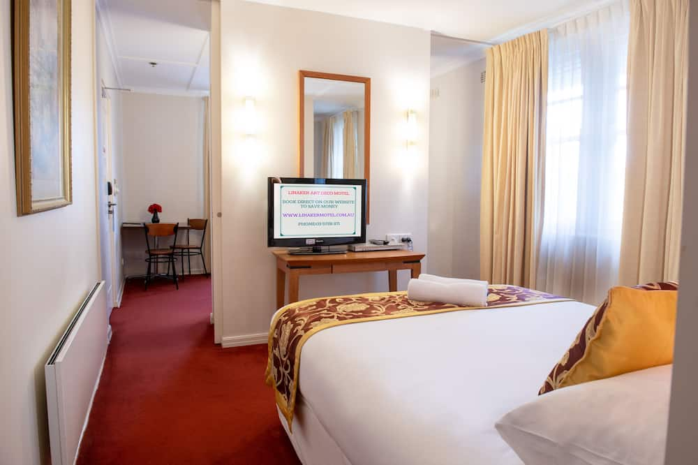 Deluxe Suite with Spa Bath - Living Area