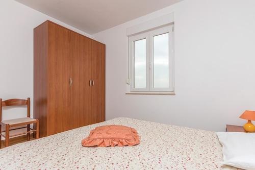 Alberiの1部屋の宿泊施設/