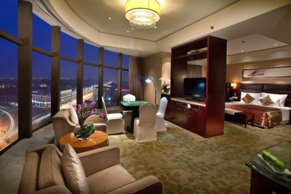 Deluxe Executive Suite - Guest Room