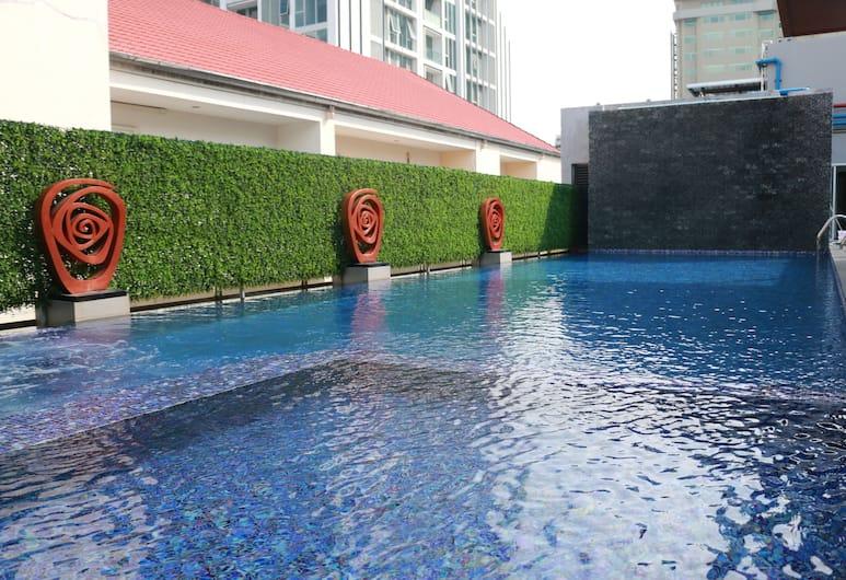 Dazzle Residence, Bangkok, Basen odkryty