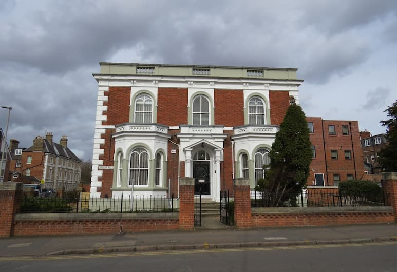 Quora Regent, Leicester, Front of property